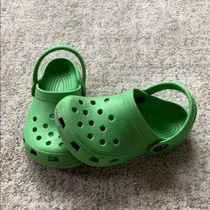 Kids Crocs Classic Clogs Sandals Parrot Green 6/7